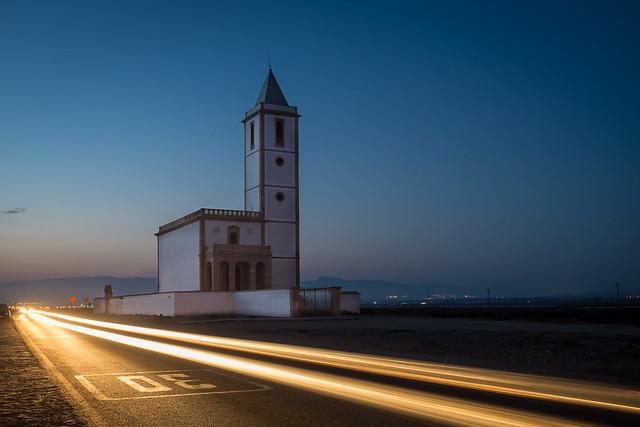 Iglesia de las Salinas (y coche fugaz)