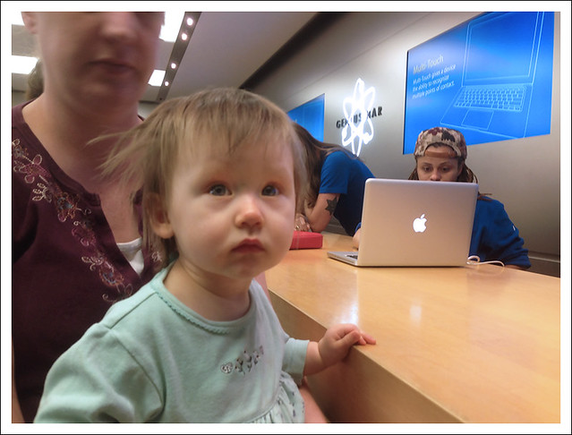 Madeleine At The Apple Store