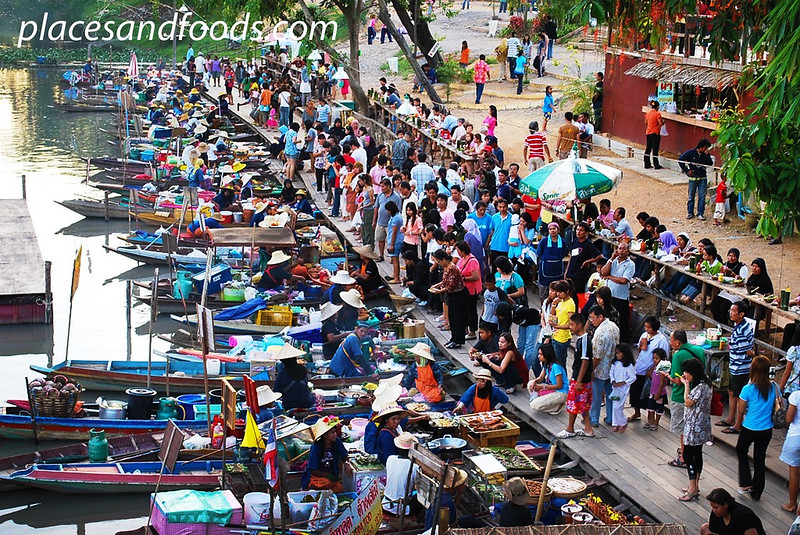 Khlong Hae Floating Market