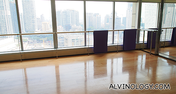 Yoga room with a view to kill