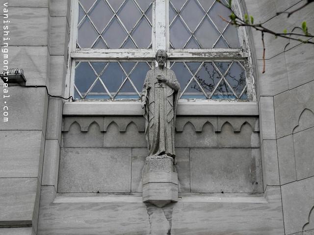 Eglise Notre-Dame-de-la-Paix demolition (Thursday/Jeudi) 06