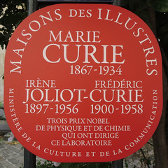 Photo of Marie Curie red plaque