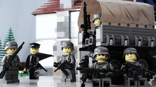 LEGO WWII German Army - taking a break