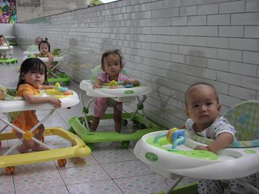 Walker+Babies[1]