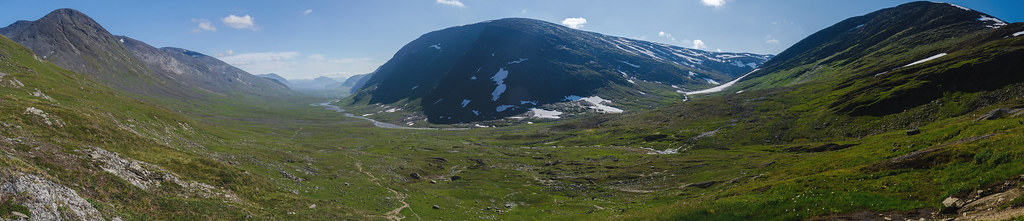 Tjäktja pass panorama looking south