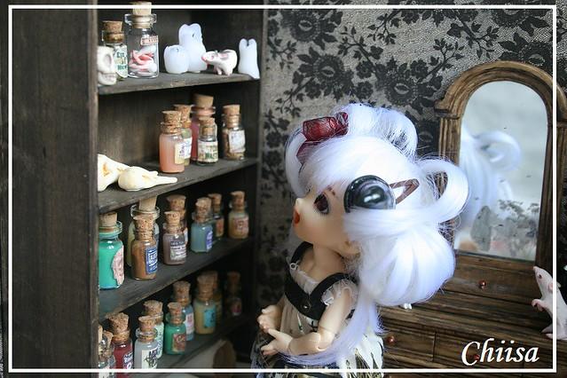 Dollhouse et Diorama de Chiisa - Photos diorama Alice (p7) - Page 3 14791420391_01116ec1df_z