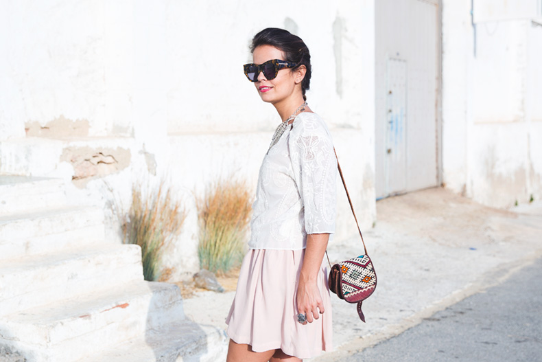 Light_Pink_Skirt-Lace_Top-Street_style-Outfit-27