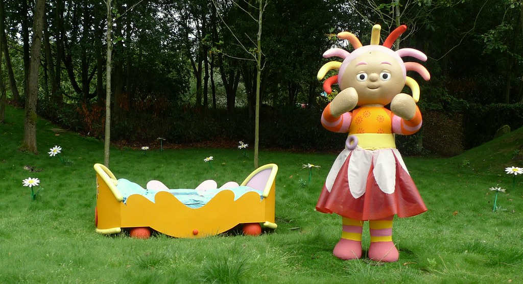 Alternative Synopses for Kids TV Shows Upsy Daisy And Her Bed