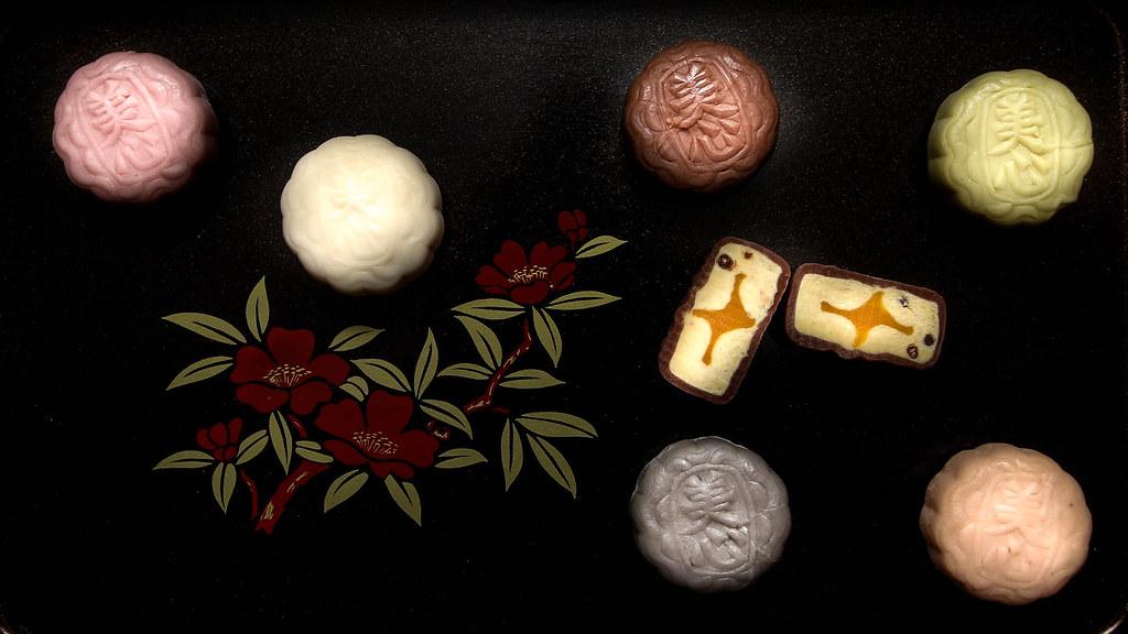 梅新月饼:不同雪皮月饼