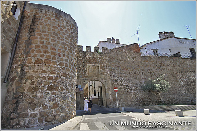 PuertaMuralla