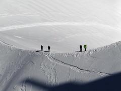 Snow ridges in the Mont Blanc massif I