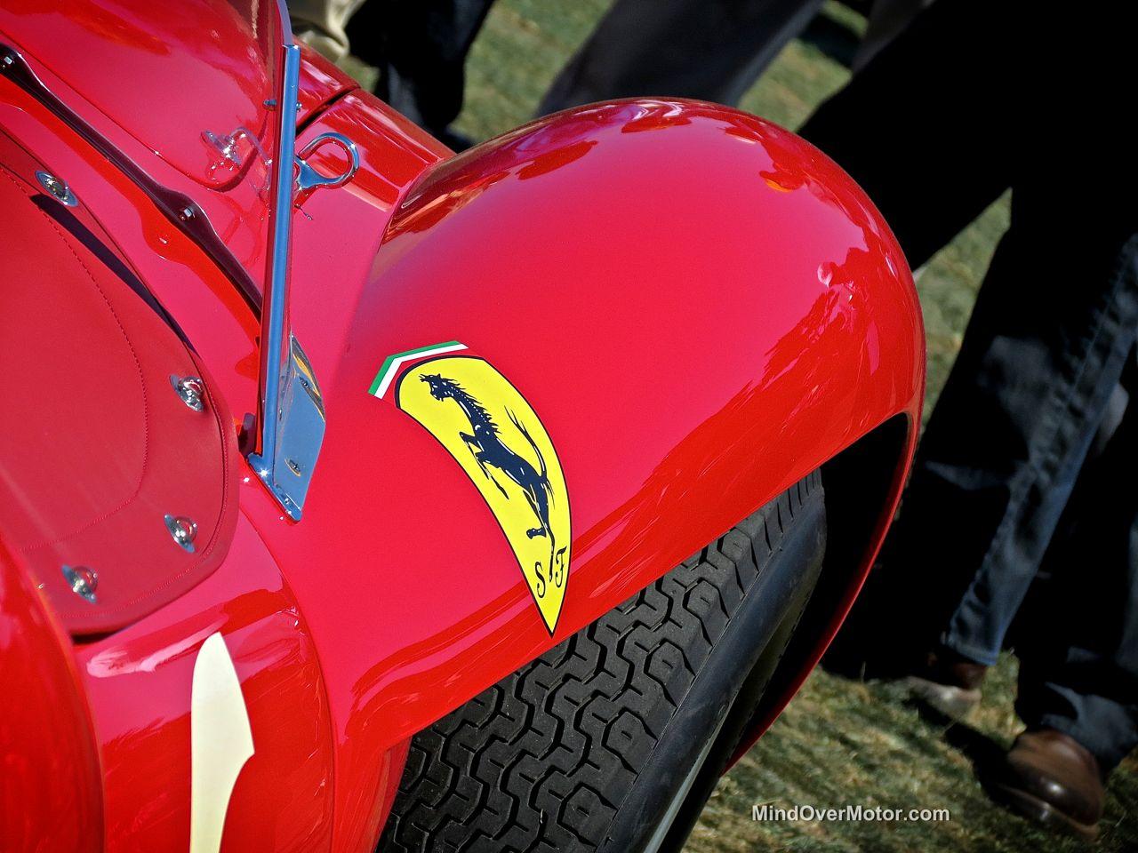 Pebble Beach 2014-Ferrari 250 Testa Rossa Scuderia Shield