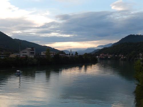 sunset mountain clouds río river atardecer nubes balkans riverbank montaña rivera balcanes rurallandscape exyugoslavia physicalgeography paisajerural humangeography geografíahumana geografiafisica geografíarural ruralgeography