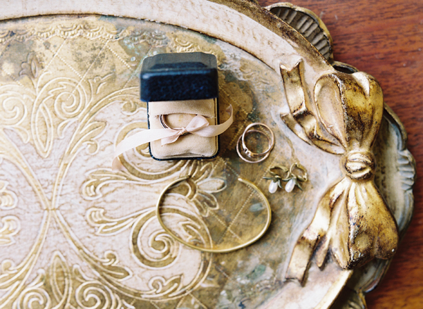 gold-jewelry-wedding-bands-florintine-tray-wood-bow