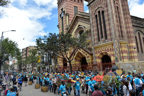 Marchers in the People´s Climate March, on Sunday, Sep. 21, 2014 in Bogota, Colombia.  (Inaldo Perez/AP Images for AVAAZ)