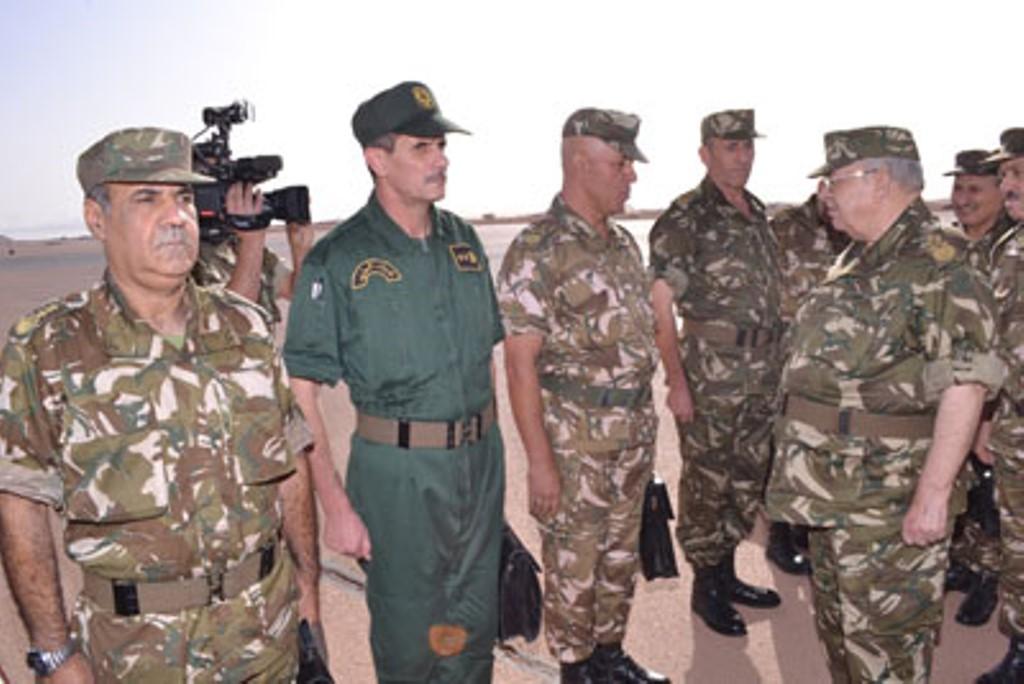 الجزائر : صلاحيات نائب وزير الدفاع الوطني - صفحة 4 30475807210_8c6a1725ac_o