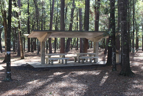 Interstate 10 rest area 30050 picnic shelter tables