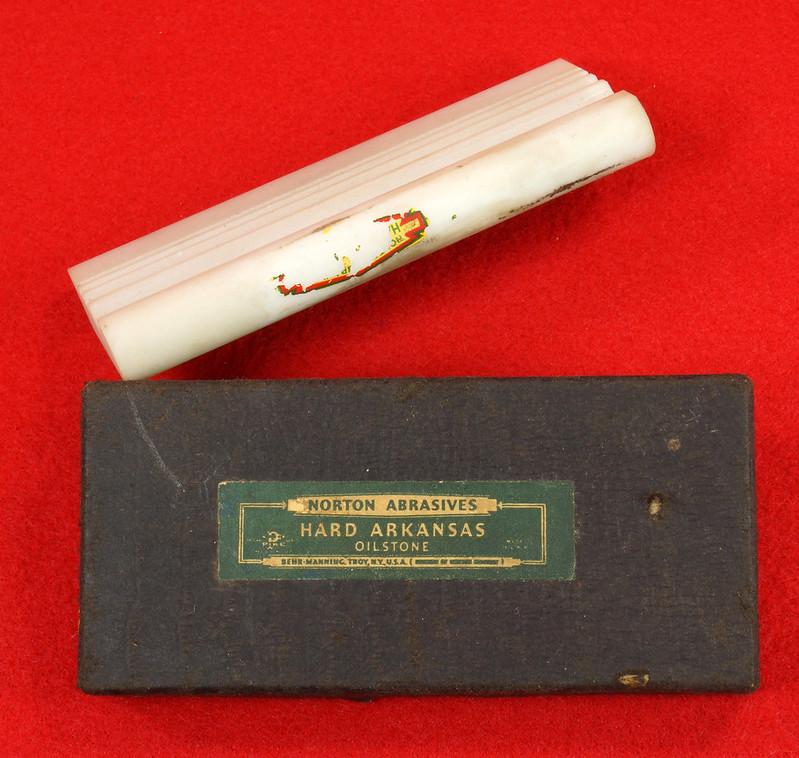 RD14839 Vintage Pike Oilstone Norton Abrasives Special Hard Arkansas Grooved Stone DSC06127