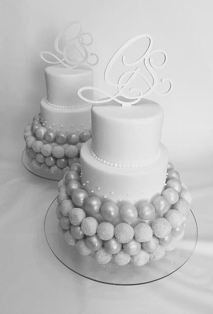 Wedding Cake Pops by Eleonora Sdino
