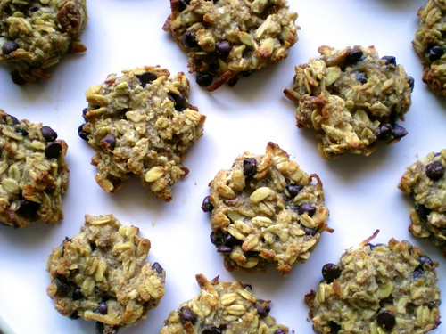 banana chocolate chip granola cookies