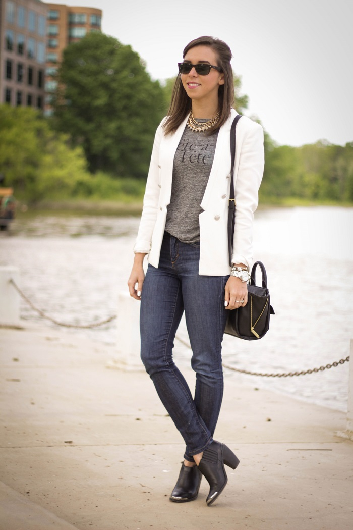 va darling. dc blogger. virginia personal style blogger. white blazer. joes jeans. black booties. graphic tee. layered gold necklace. rayban wayfarer. casual style 1