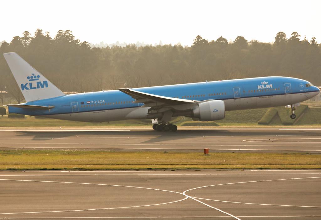 PH-BQA - B772 - KLM