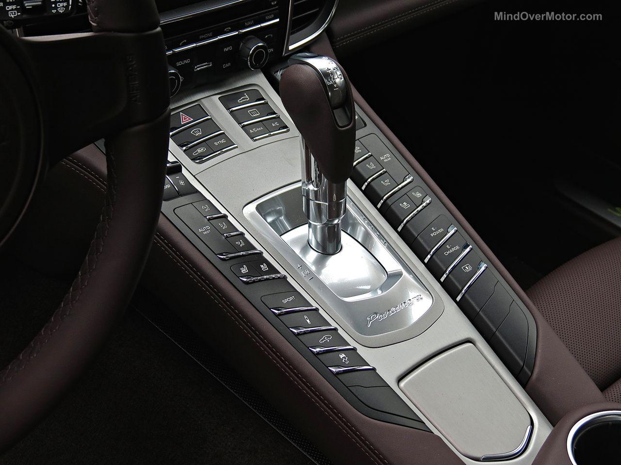 Porsche Panamera S E-Hybrid Center Console