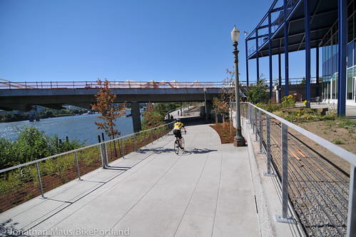 New Eastbank path under Tilikum Bridge -14