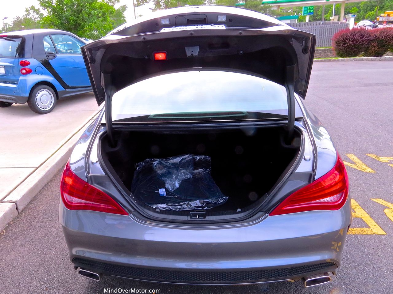 Mercedes-Benz CLA250 Trunk Open