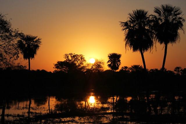 Sunset in Paraguay/La puesta del sol en Paraguay