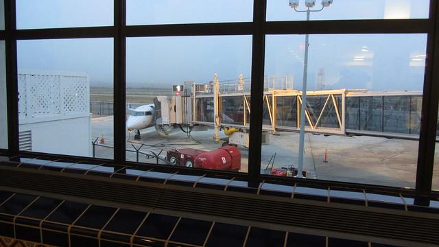 IMG_0695 santa barbara sba airport terminal loading ramp