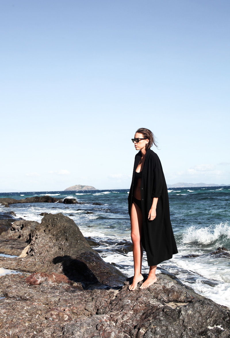 modern legacy fashion blog neoprene bikini ASOS duster coat ocean beach holiday fiji island (8 of 13)