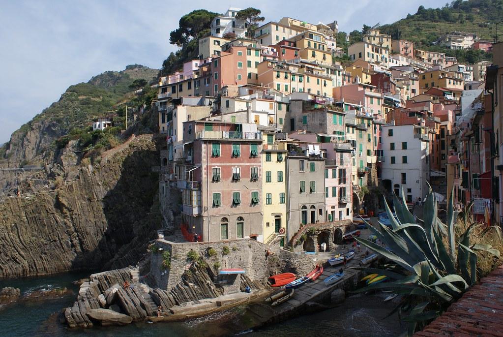 > Riomaggiore dans les Cinque Terre à 100 km de Gènes.