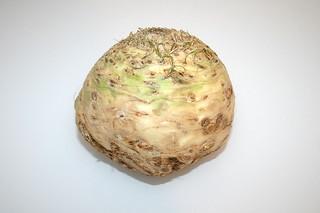 01 - Zutat Knollensellerie / Ingredient celeriac