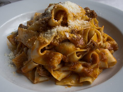 vegetarian food, bucatini, pappardelle, pasta, bolognese sauce, fettuccine, produce, food, dish, carbonara, cuisine,