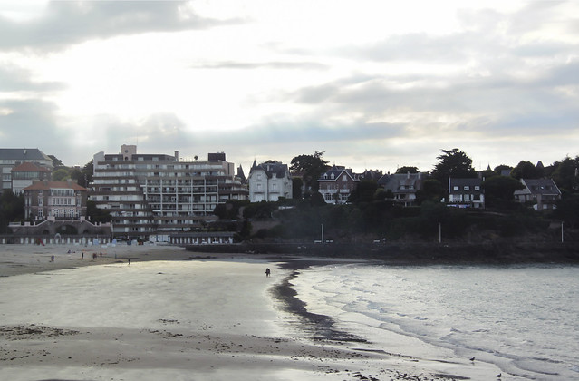 Drive through Dinard