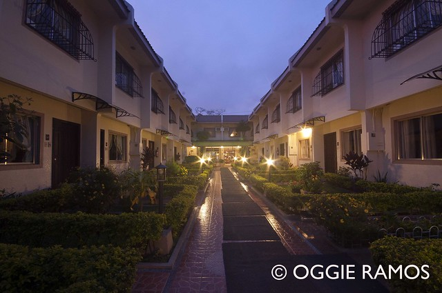 Baguio Holiday Villas Garden View with Night Lights