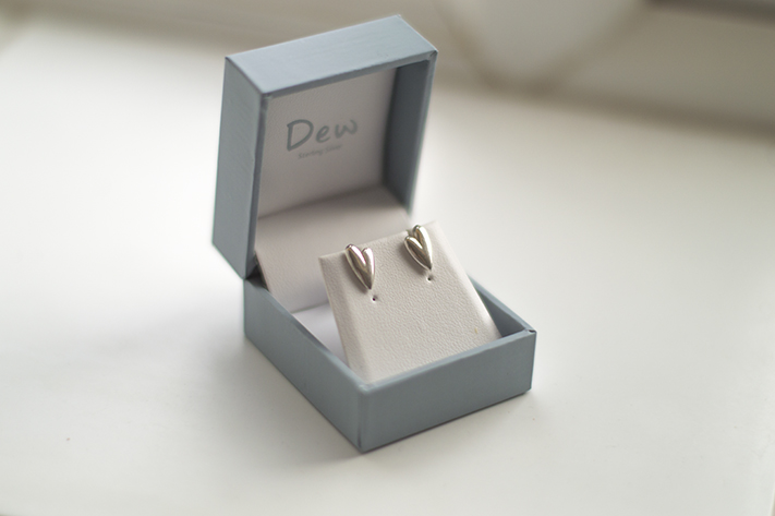 dew_silver_earrings