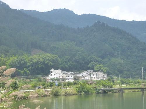 Jiangxi-Wuyuan-Montagnes et lac (3)