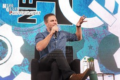 Stephen Amell ( Green Arrow) at Nerd HQ 2014