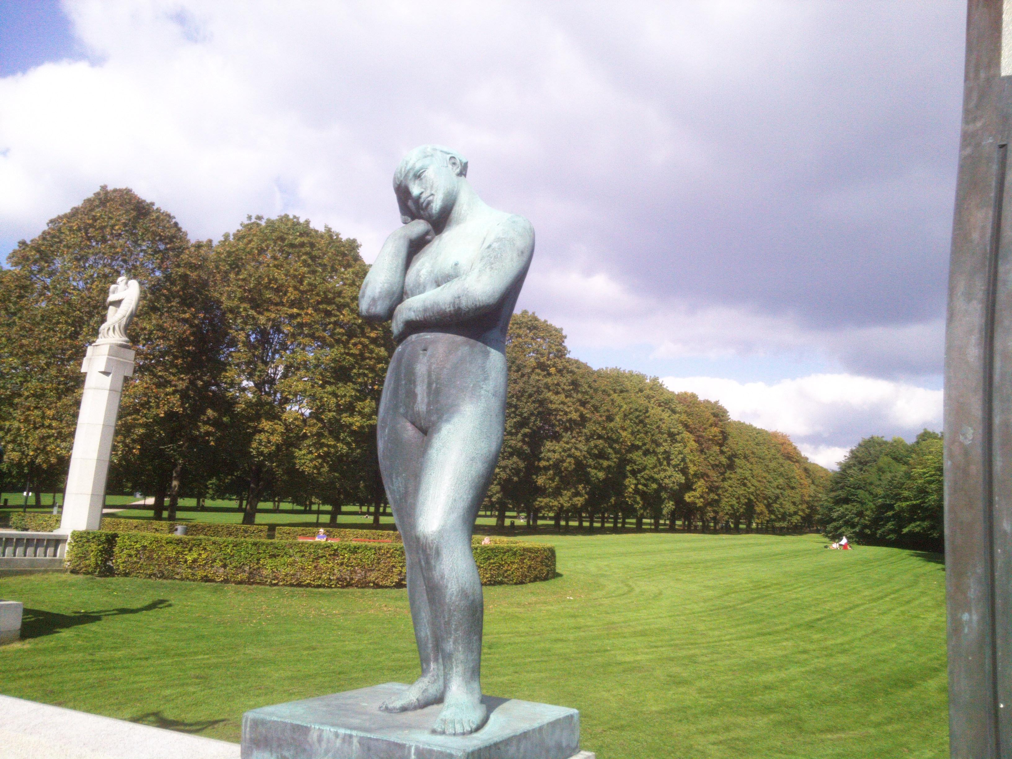 sæd hval statue