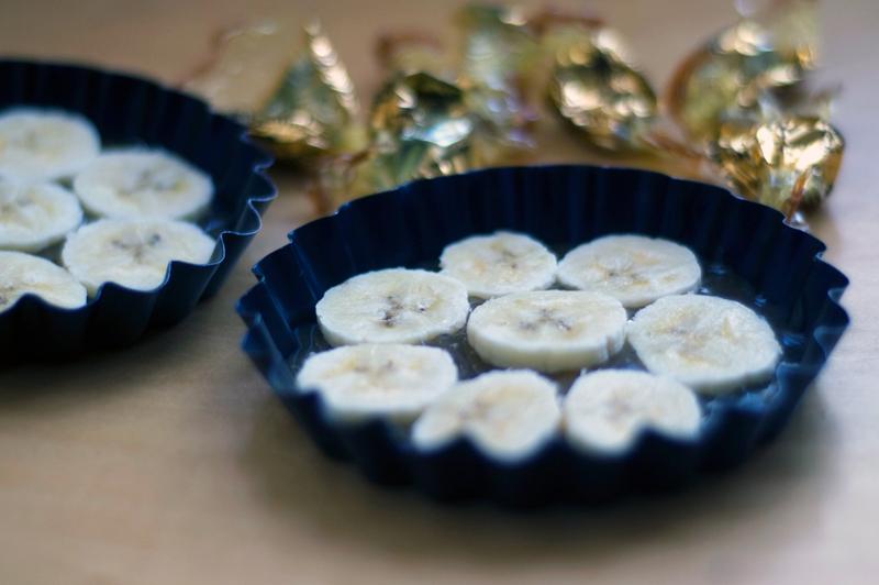 Mini-tartes tatin de banana e caramelo
