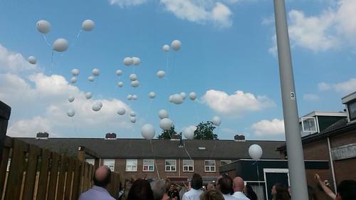 Heliumballonnen oplaten bij uitvaart Spijkenisse