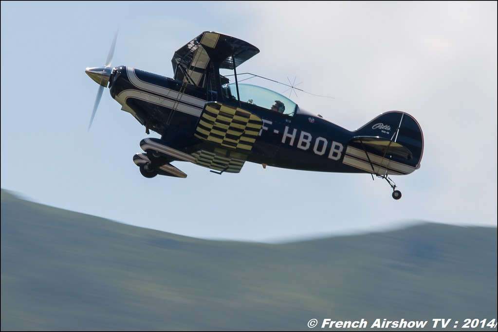 Pitts S2B Meribel Air show 2014