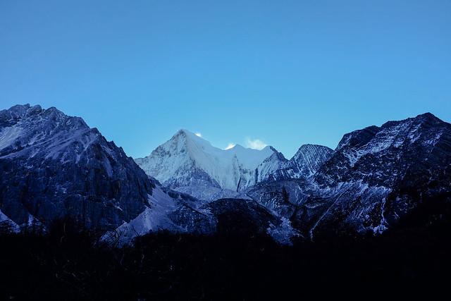 夏诺多吉雪山