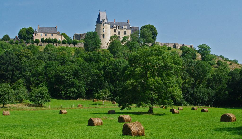 balade autour de Sainte Suzanne - Mayenne.