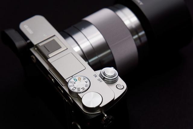 α6000 Silver / E 50mm F1.8