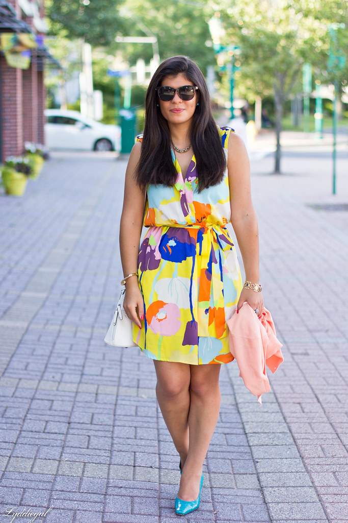 bright floral print dress, turquoise pumps-4.jpg