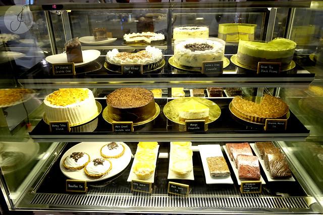 Leonas Cake Ayala