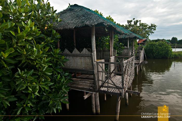 Huts at ATC Ihawan in Dagupan